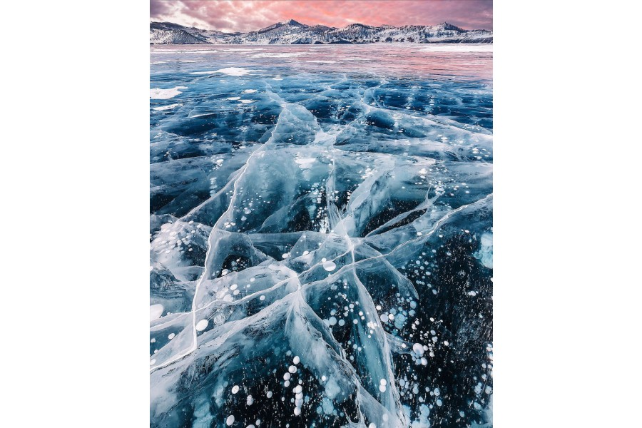 Amazing photographs of frozen Baikal Lake in Russia